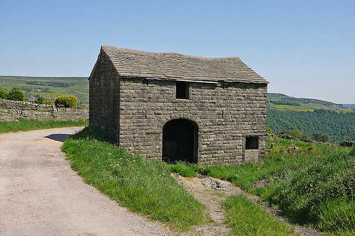 Stone barn in Shackleton