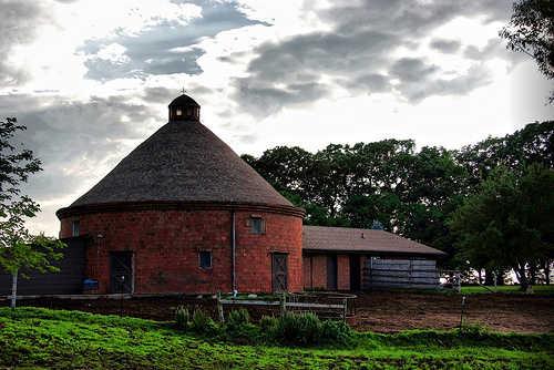 Iowa round barn